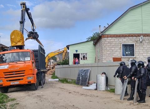 Тульский губернатор сообщил, что цыганский поселок в Плеханово снесут до конца