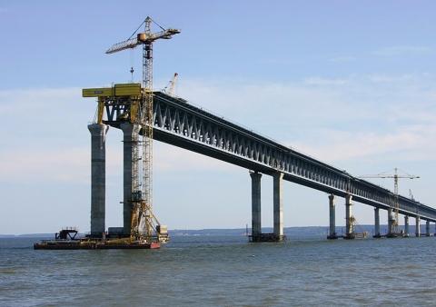 Для Керченского моста привезли 5 миллионов тонн стройматериалов