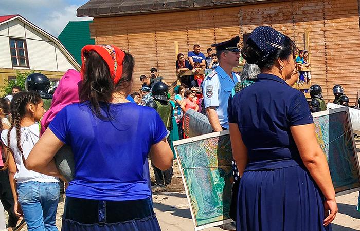 Тульские власти потребовали снести цыганские дома влесу уЯсной поляны