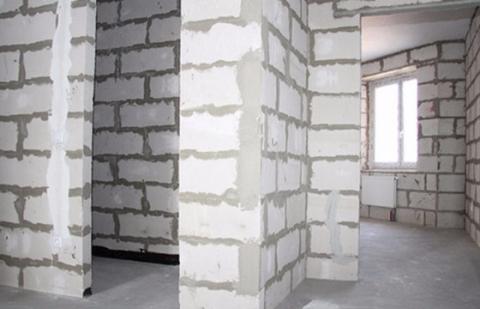 Какие материалы используют при строительстве российских домов, и почему в Москве мало кирпичных новостроек