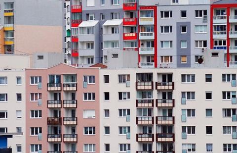 Апартаменты теряют позиции: девелоперы и покупатели предпочитают новостройки