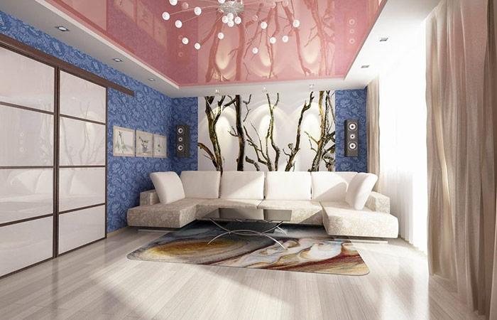 Цветные навесные потолки могут неплохо выглядеть в белом цвете, но без глянца
