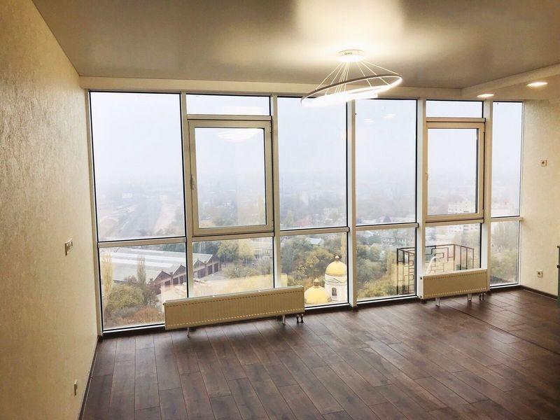Большие окна позволят сделать квартиру максимально освещенной